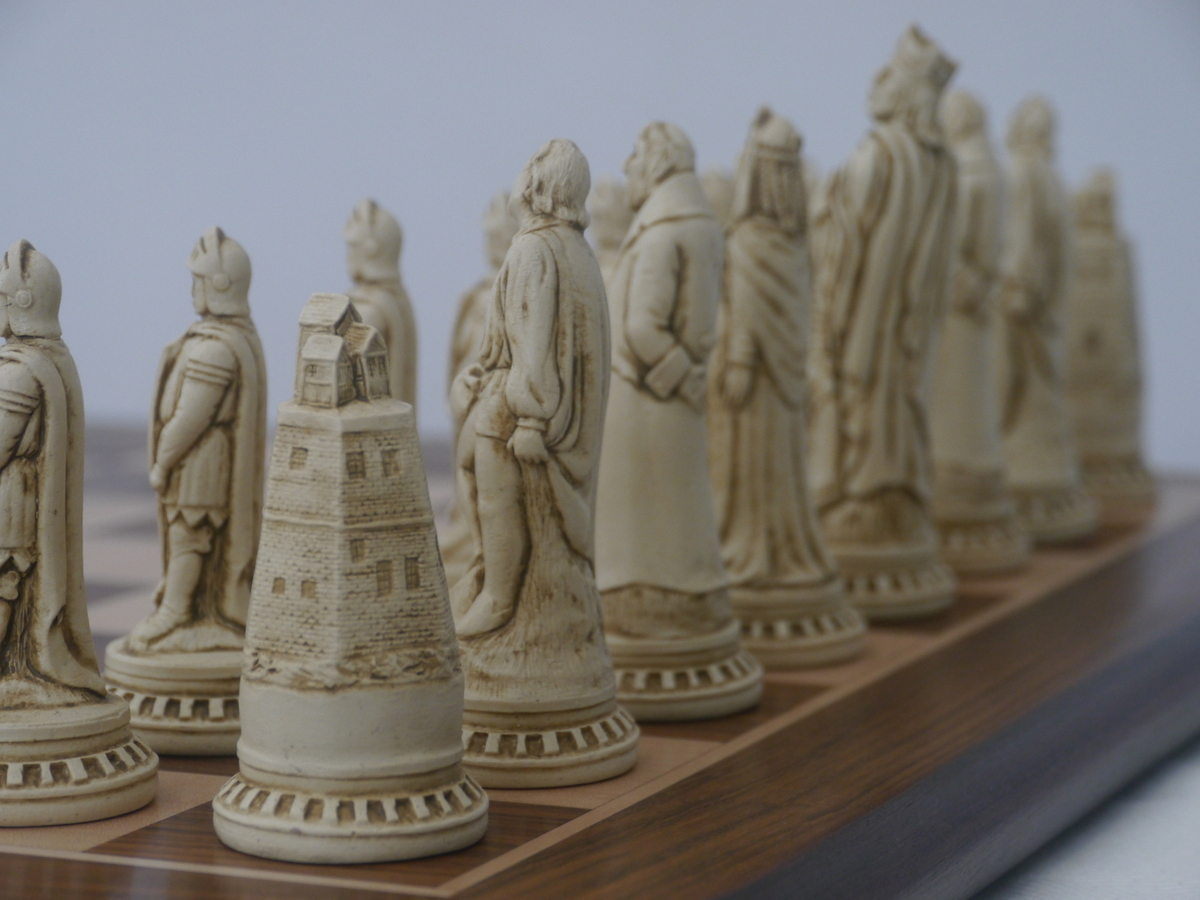 Berkeley Chess Ltd - Shakespeare - Ivory and Brown