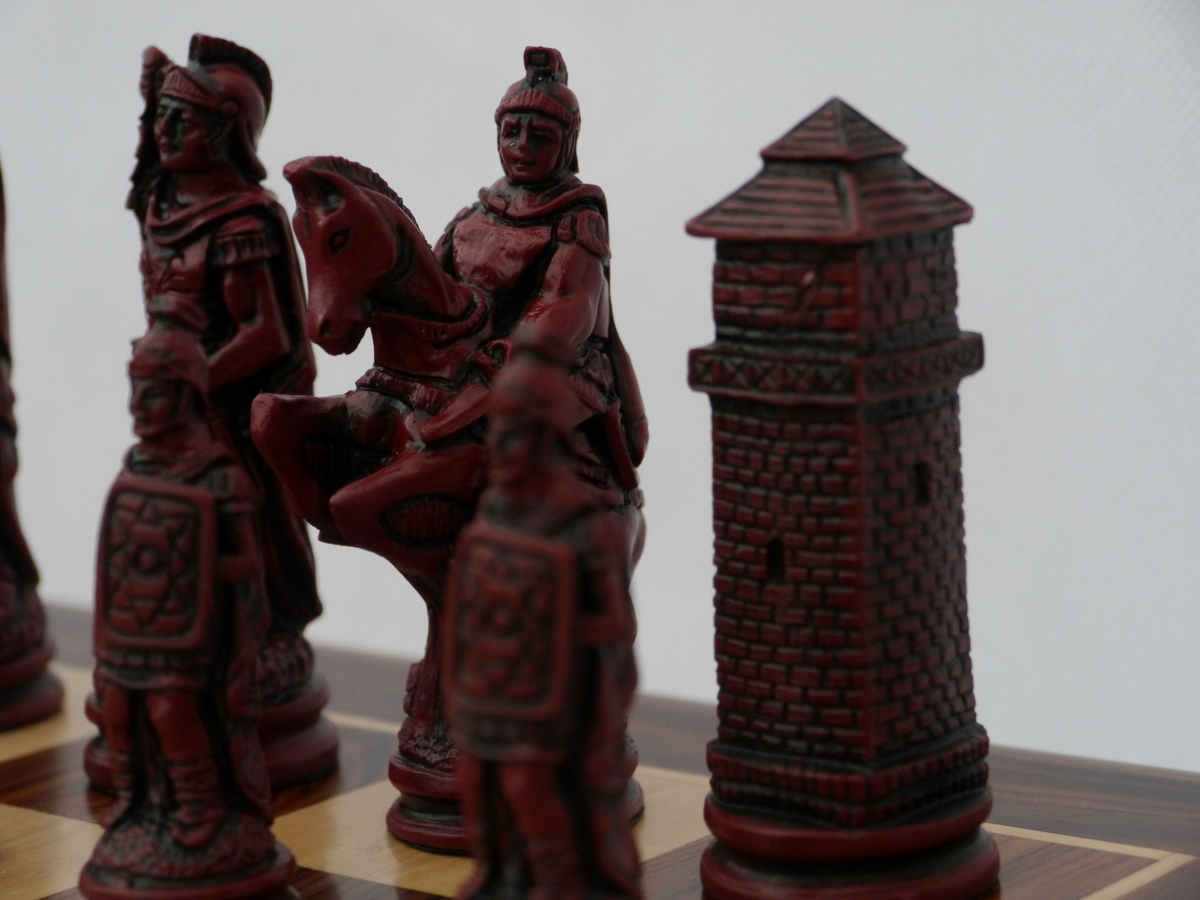 Berkeley Chess Ltd - Roman - Ivory and Red