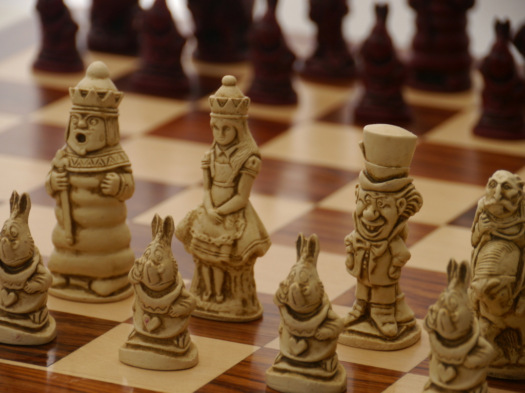 Berkeley Chess Ltd - Alice in Wonderland Chess Set - Ivory and Red