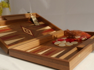 Manopoulos Backgammon - in Walnut with Red and Oak Points - 50cm