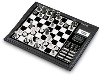 CMD2008 Saitek Talking Chess Trainer Chess Computer