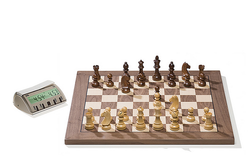 Walnut DGT Electronic Chessboard (E-Board) USB Port Version. Timeless Pieces