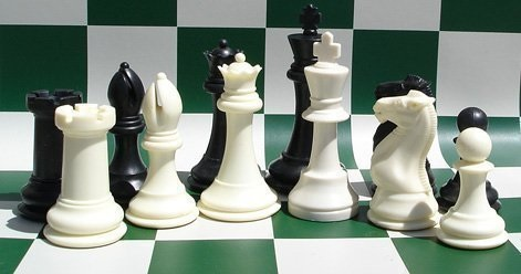 F2011 Super Gambit Chess Pieces - Black, White