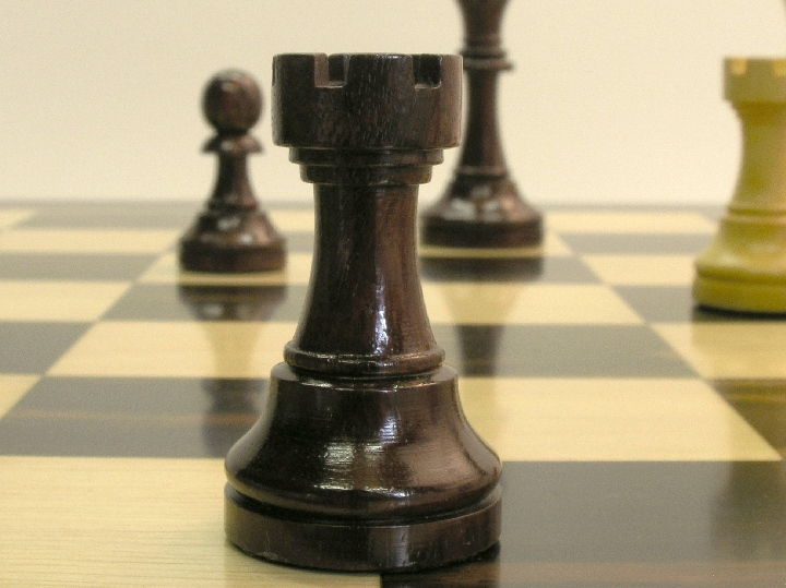 Monarch Staunton Golden Rosewood 3.75 inch King Chess Pieces