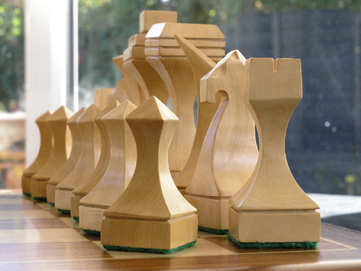 The Moore Contemporary Chess Pieces 0 1278 426100