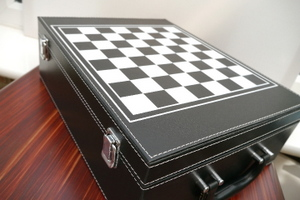 New! Gift set of Wine Case and Chess Set