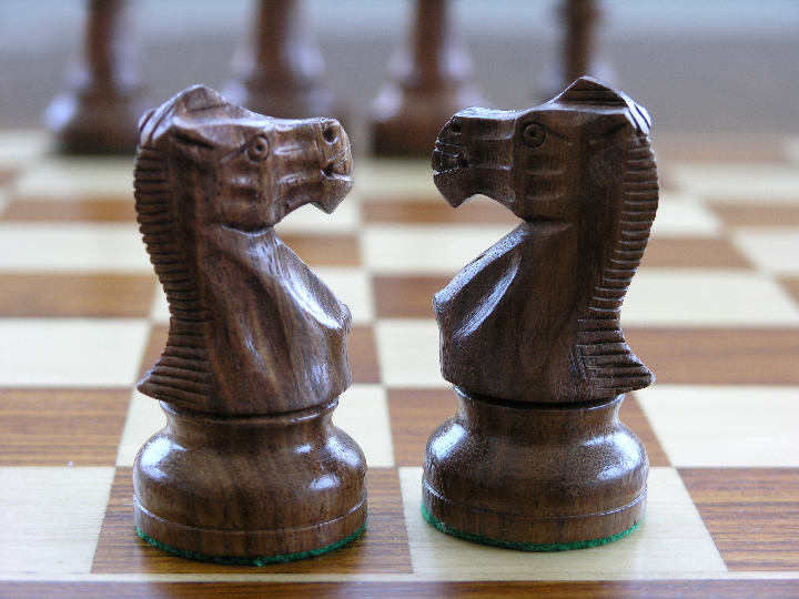 American Staunton in Sheesham and Boxwood Chess Pieces