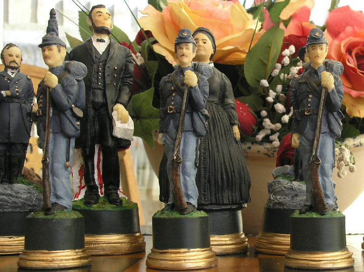Mascott Chess - Hand Painted American Civil War Chess Set