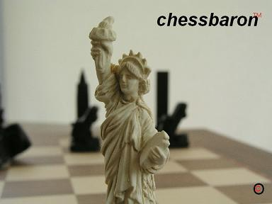Mascott Chess - New York Limited Edition Chess Set