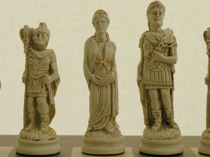 Berkeley Chess Ltd - Roman - Ivory and Brown