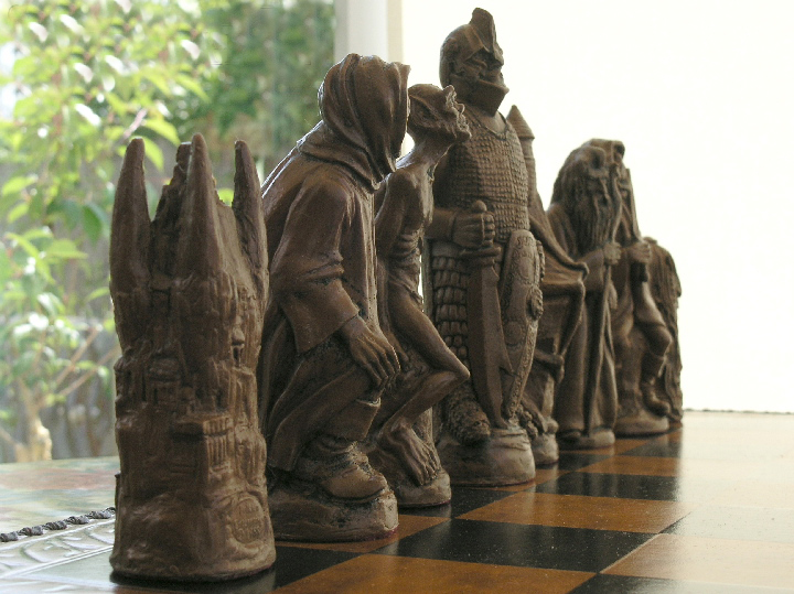 Mascott Chess - Lord of the Rings Chess Pieces