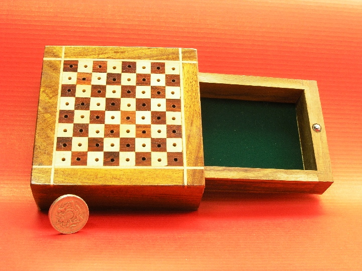 Square Travel 5 x 5 with side drawer Chess Set