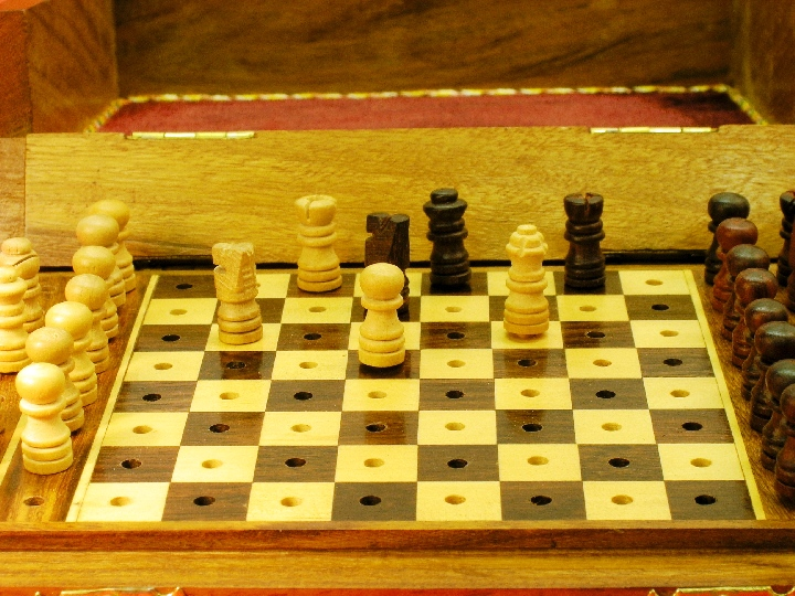 Larger 7 inch x 5 inch Pegged Travel Chess Set
