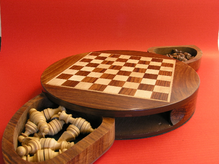 Magnetic with Moon Drawers 9 inches Round Chess Set