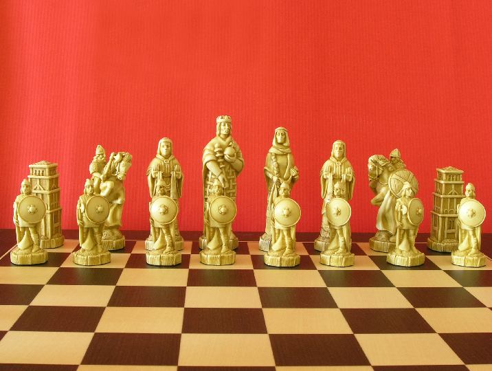 Battle Of Hastings Chess Set 0 1278 426100