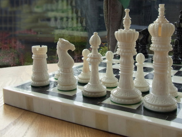 King Cross Staunton in Bone Chess Set