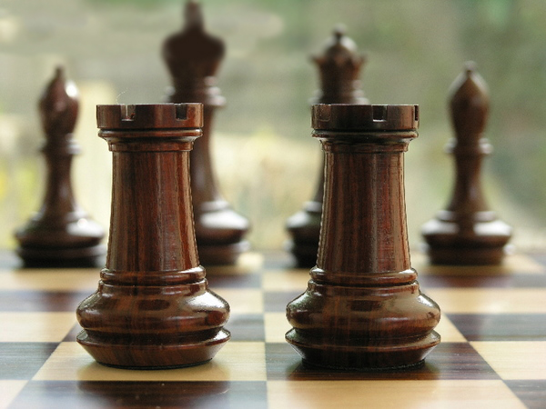 Chamfered Triple Weight Staunton in Bud Rosewood Chess Set