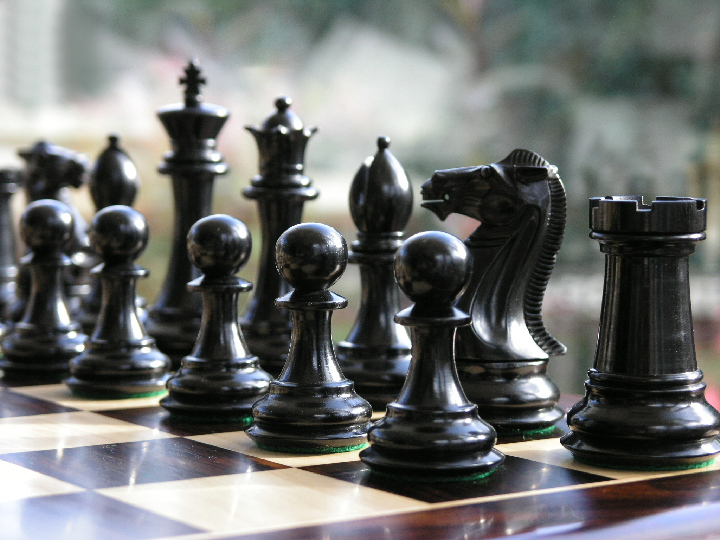 1850 Staunton in Ebony Chess Set