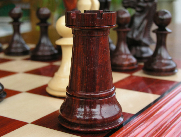 King Edward Bud Rosewood Triple Weight 5 inch King Chess Set