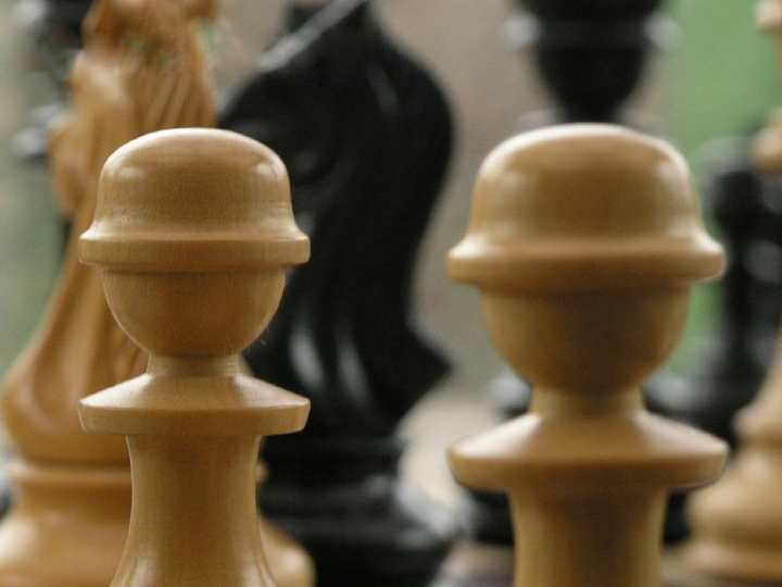 Old Deuteronomy Triple Weighted Felted Ebony Staunton Chess Pieces