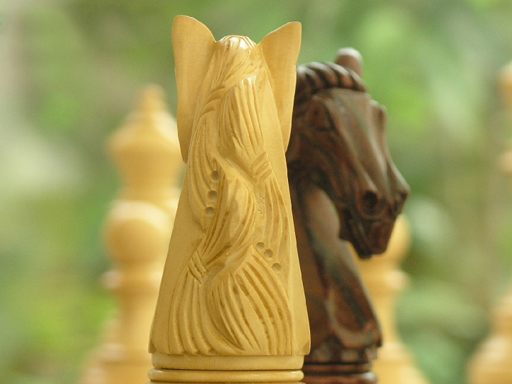 The Original King Charles in Bud Rosewood Triple Weighted Chess Pieces