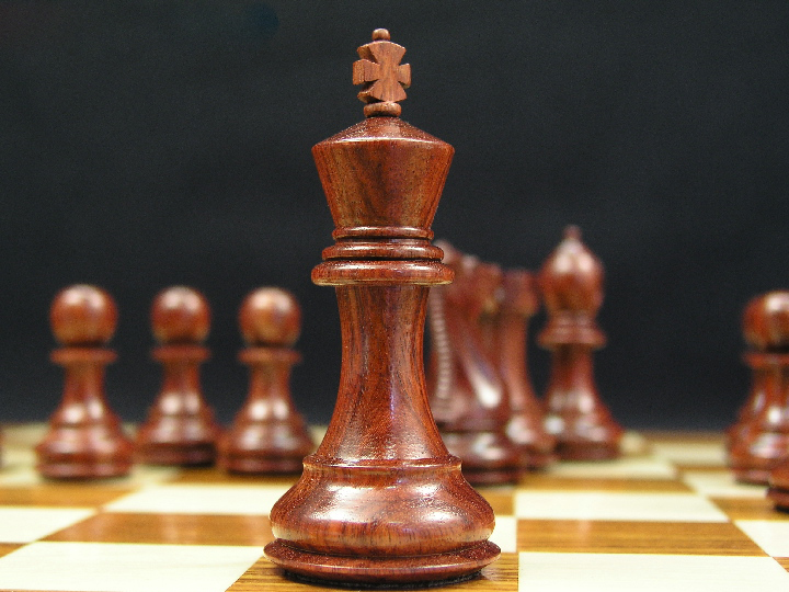 Margaret Anne Knight Staunton Bud Rosewood 3.5 inch King Chess Pieces