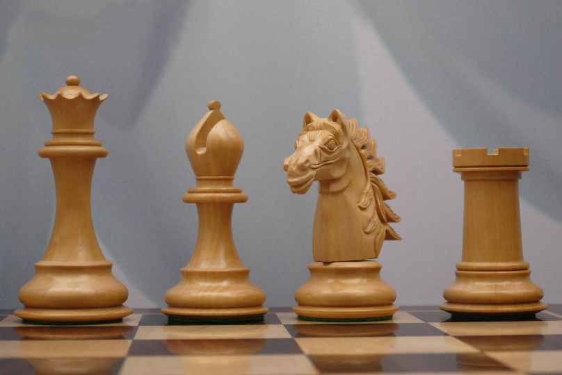 Baggio Staunton in Ebony Chess Pieces