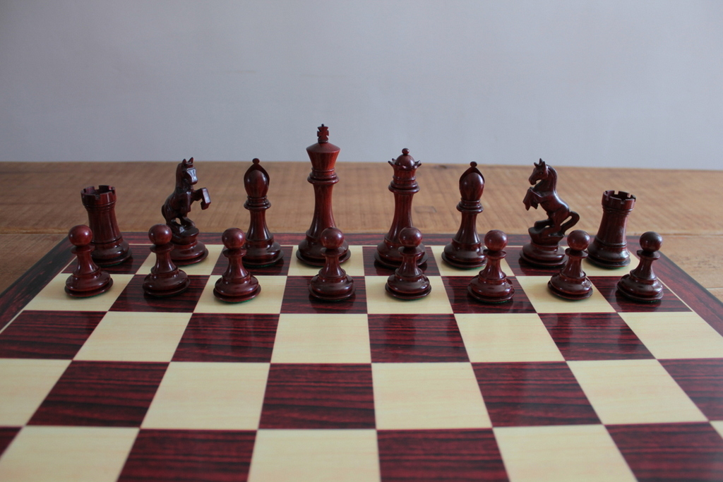 Alexander the Great in Bud Rosewood Chess Pieces