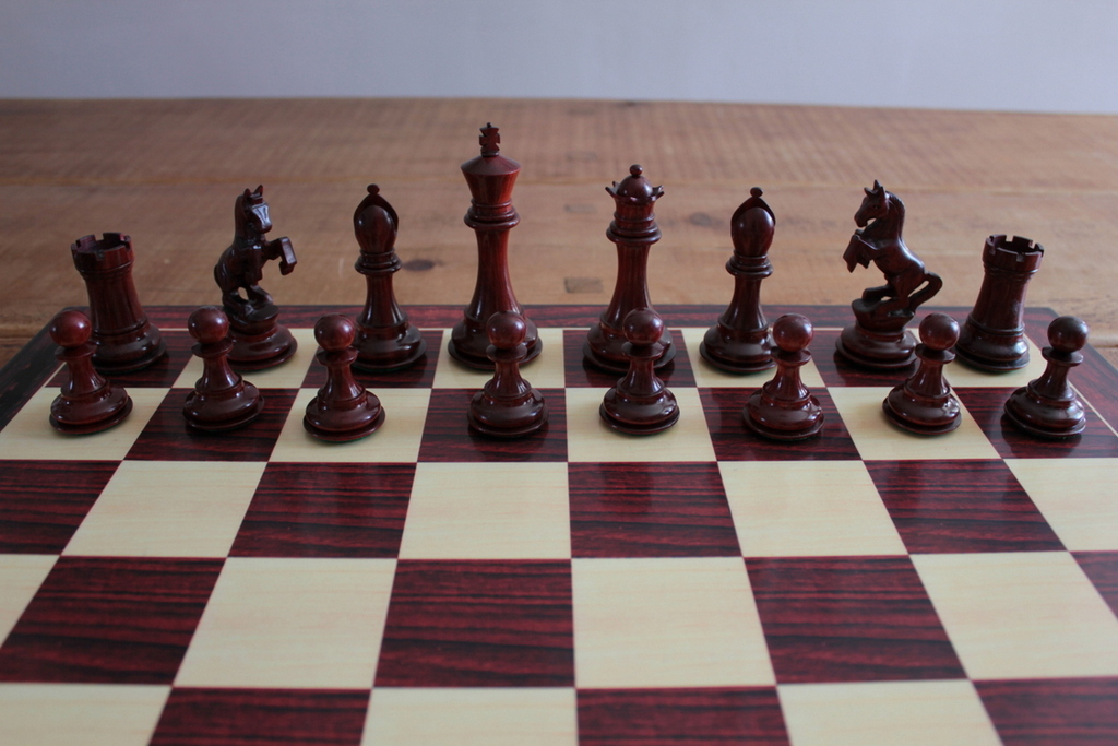 Alexander The Great In Bud Rosewood Chess Pieces 0 1278